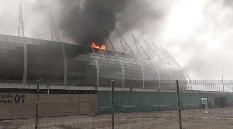 Incêndio na Arena Castelão, em Fortaleza.  — Foto: Reprodução