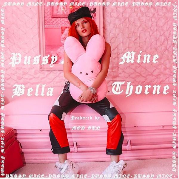 A capa do novo single da atriz e cantora Bella Thorne (Foto: Instagram)