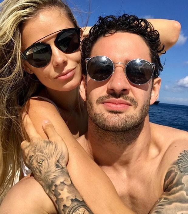 Alexandre Pato e namorada (Foto: Reprodução Instagram)