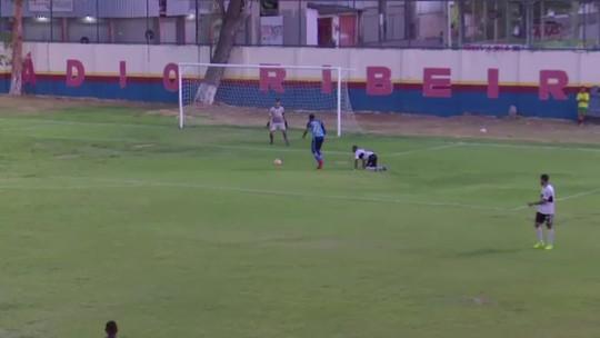 Venezuelano estreia com gol, dias após receber alimentos por passar mal em treino; veja