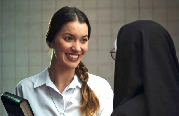 Na terça (4), Fabiana (Nathalia Dill) encontrará Virgínia (Paolla Oliveira) depois de conseguir um emprego na construtora  (Foto: Reprodução)