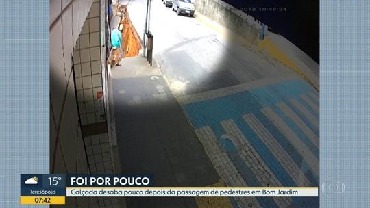 Calçada desaba depois da passagem de pedestres em Bom Jardim