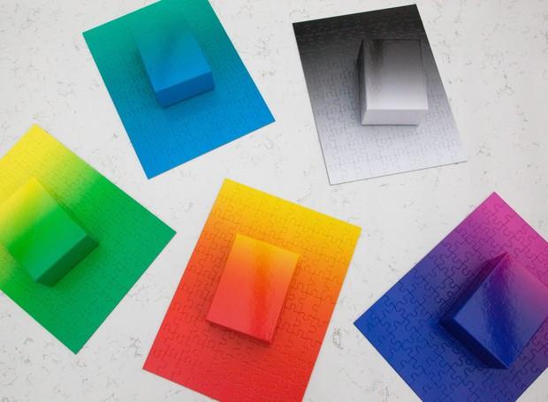 O kit com cinco Gradiente Puzzle no tamanho P brinca com a paleta de verde, azul, cinza, roxo e laranja  (Foto: Areaware/Reprodução )