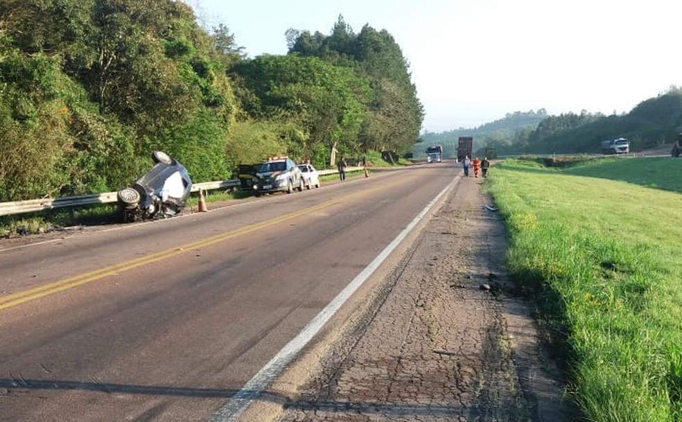 Acidente ocorreu na BR-116, em Tapes — Foto: PRF/Divulgação