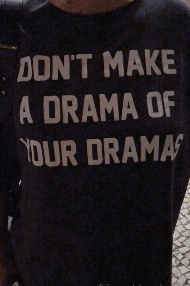 """Bruna Marquezine manda recado sobre """"drama"""" com camiseta (Foto: Reprodução/Instagram)"""