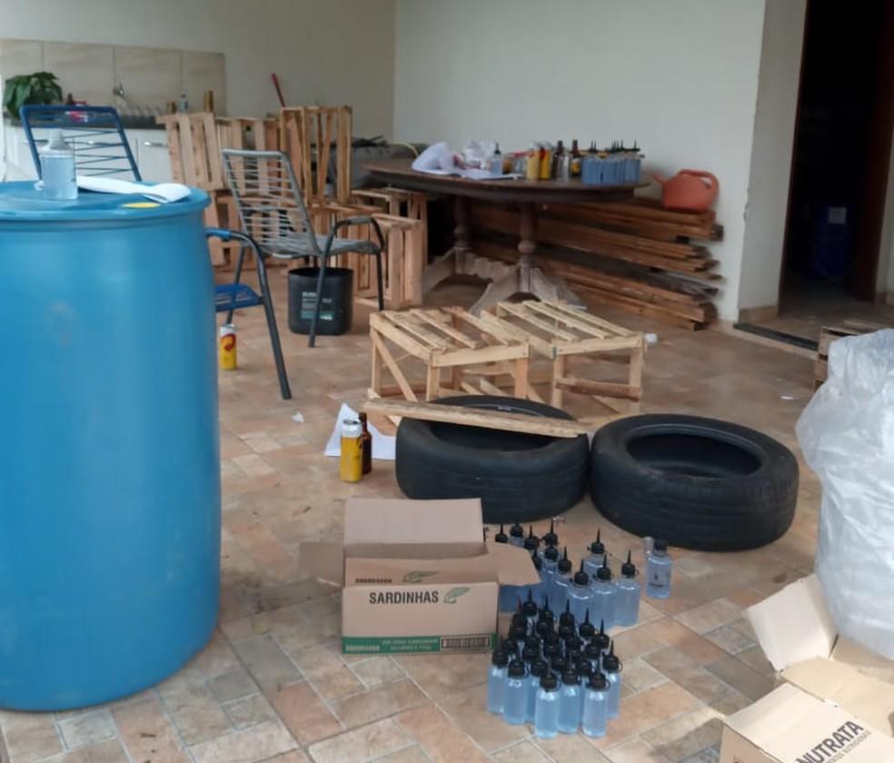 Fábrica clandestina de álcool em gel é apreendida em Mirassol (SP) — Foto: Arquivo Pessoal