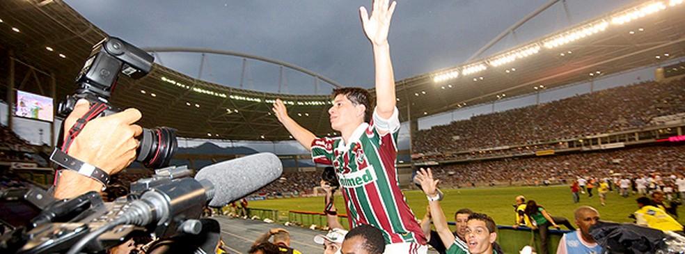 Conca é reverenciado após título brasileiro de 2010 do Fluminense — Foto: Photocamera