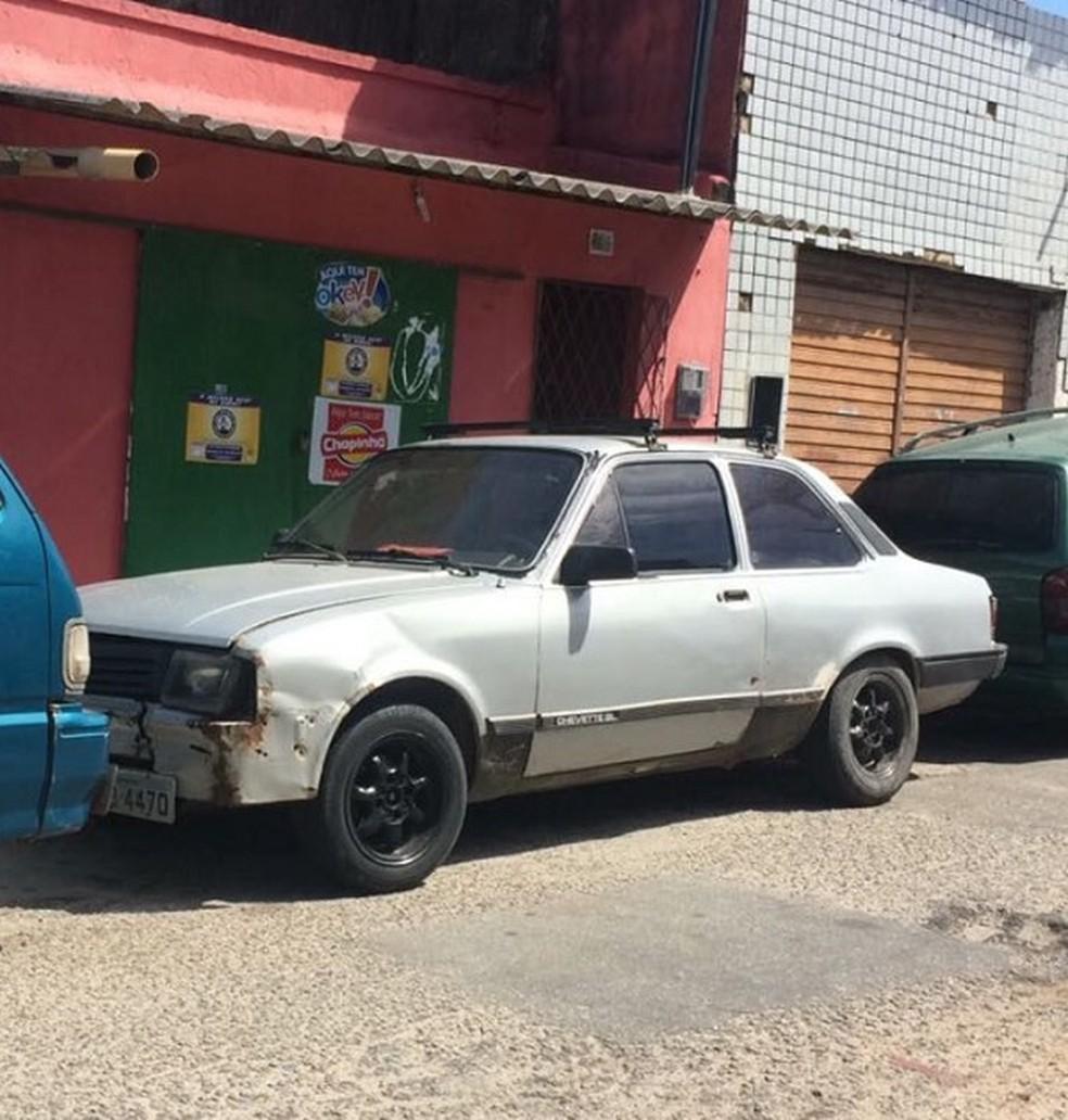 Polícia Civil diz que o veículo Chevette foi usado no crime (Foto: Divulgação/Polícia Civil)