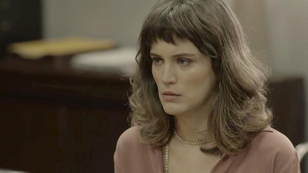 Clara se comove com as palavras do ex (Foto: TV Globo)