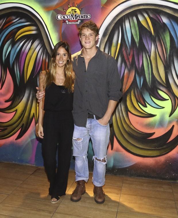 Pedro Novaes e a namorada, Isadora Alves (Foto: Delson Silva/Agnews)