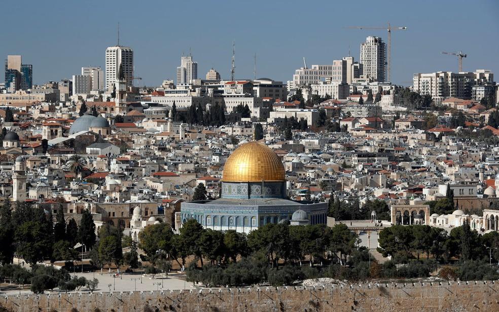 Vista geral de Jerusalém, com destaque para o Domo da Rocha, em foto de 1º de dezembro  (Foto: Thomas Coex/AFP)