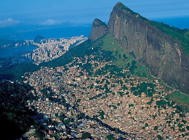 Estudo analisa a complexa logística de entrega das lojas de comércio eletrônico nas favelas do Rio de Janeiro (Foto: Getty Images)