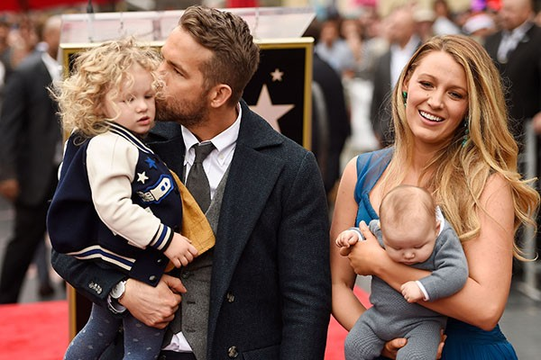 Ryan Reynolds e Blake Lively e as crianças (Foto: Getty Images)