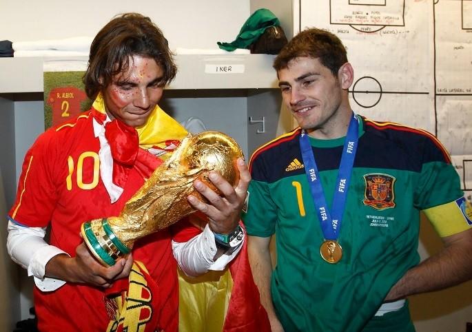 Nadal e o ex-goleiro da seleção espanhola Casillas