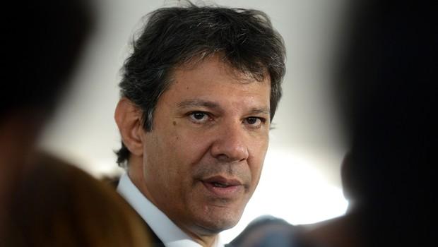 O prefeito de São Paulo, Fernando Haddad , concede entrevista a jornalistas em janeiro de 2015 (Foto: Wilson Dias/Agência Brasil)
