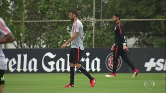 """Lucca é destaque em jogo-treino do Corinthians; Sheik e Henrique """"estreiam"""""""