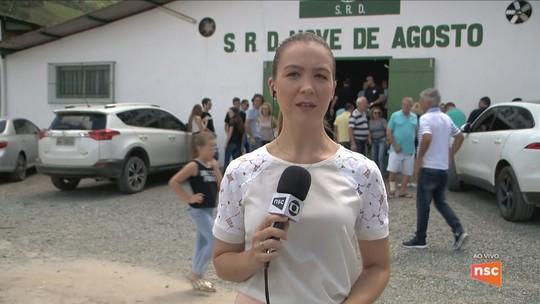 Empresários mortos em acidente aéreo em Manaus são velados em SC