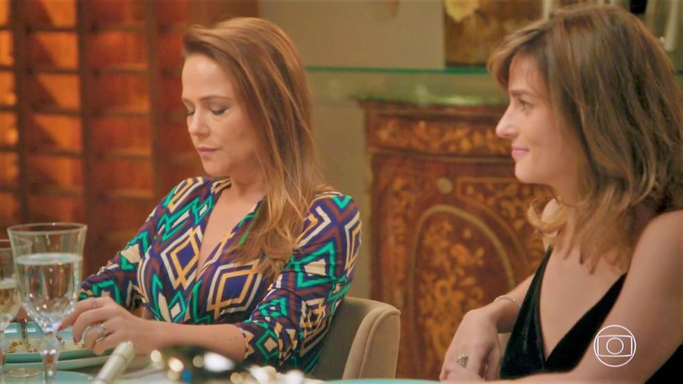 Lili (Vivianne Pasmanter) também fica indisposta — Foto: TV Globo