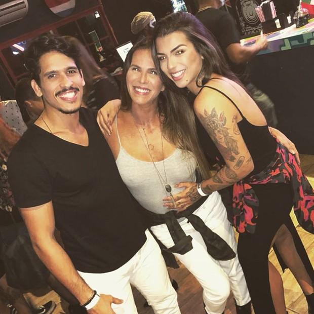Marcos Seixas, Fabianna Sá e Petra (Foto: Reprodução/Instagram)