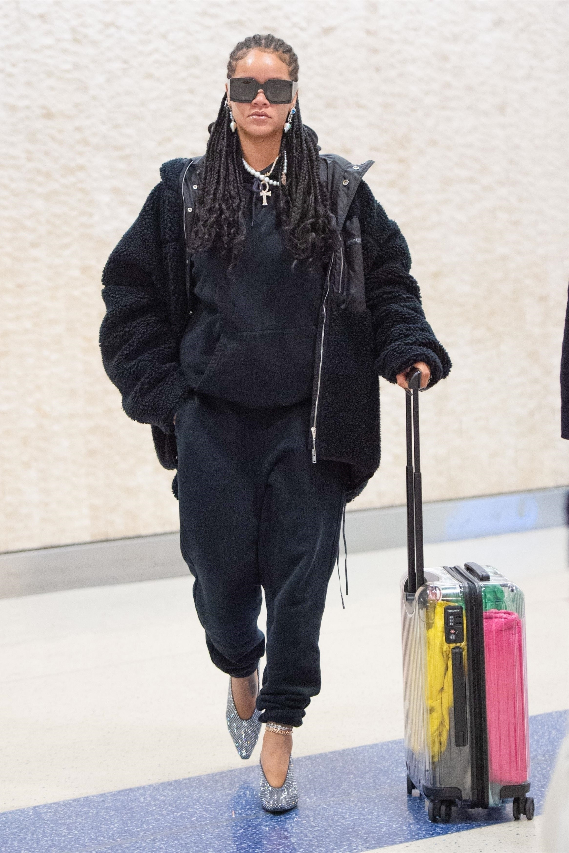 Rihanna no aeroporto de Nova York (Foto: Backgrid)
