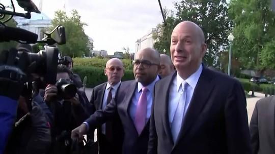 Deputados ouvem testemunha-chave no processo de impeachment de Trump