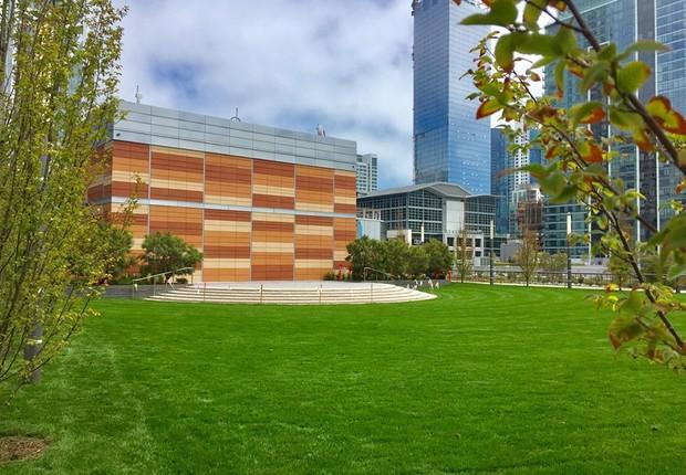 São mais de 20 mil metros quadrados de área verde, que será utilizada de forma livre e também oferecendo aulas de yoga e outras modalidades (Foto: Facebook/Transbay Transit Center Project)