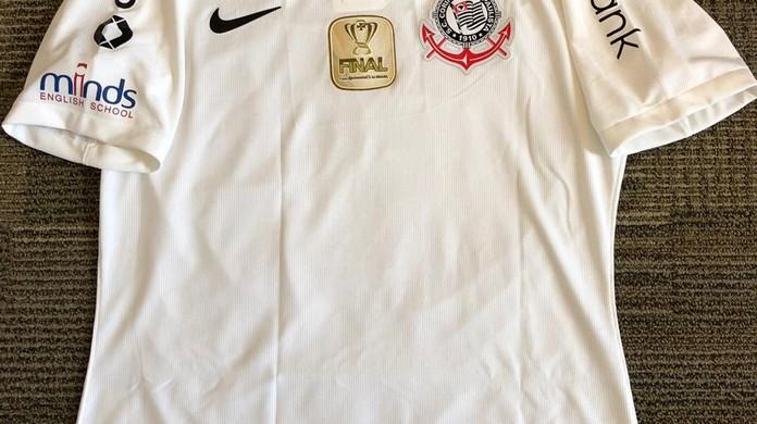 Corinthians encaminha renovação com a Positivo e deve ter novos  patrocinadores em 2019  78c0ec65c151e