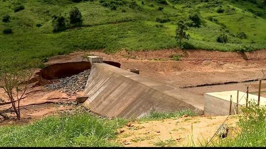 Vazamentos secam duas barragens em São Roque do Canaã, ES
