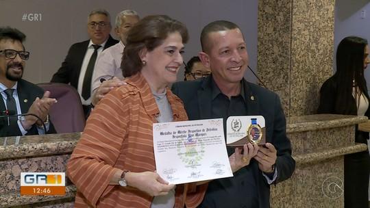 TV Grande Rio recebe medalha de honra ao mérito desportivo por Copa TV Grande Rio de Futsal