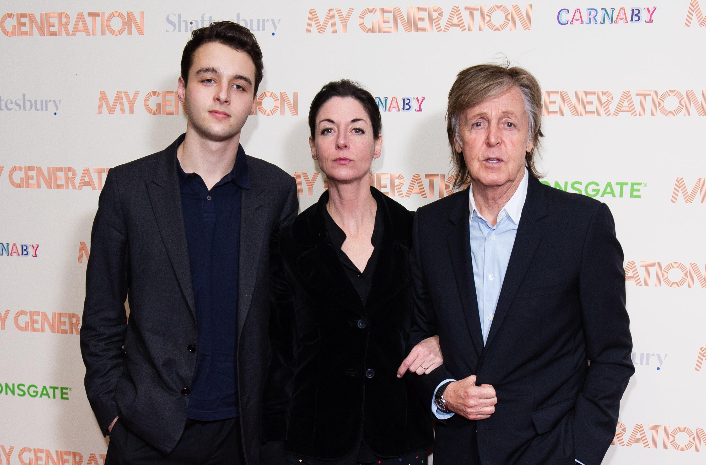 O ex-Beatle Paul McCartney com a filha Mary e o neto Arthur (Foto: Getty Images)