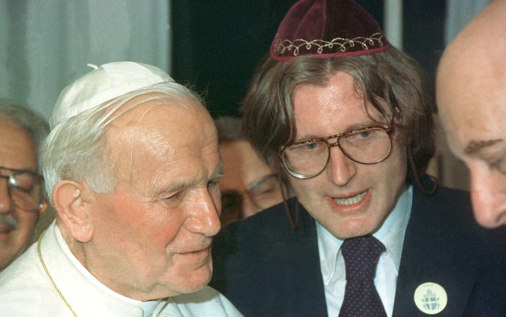 O papa João Paulo II se encontra com o rabino Henry Sobel e a comunidade judaica em outubro de 1991 — Foto: Wilson Pedrosa/Estadão Conteúdo