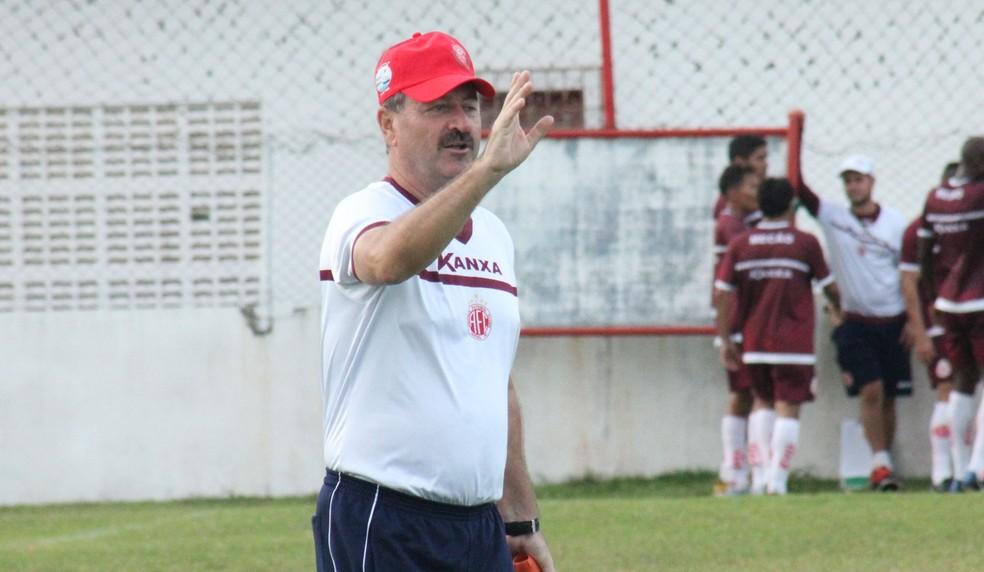 Leandro Campos quer jogadores do América-RN concentrados para buscar vitória na estreia (Foto: Canindé Pereira/Divulgação)