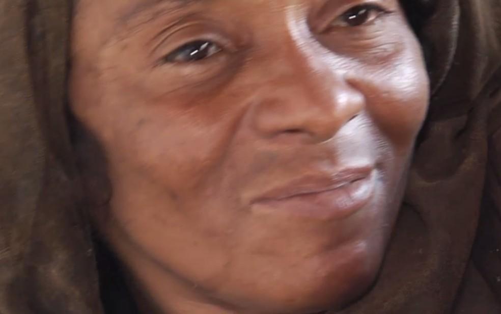 Deusirene Alves de Azevedo sonha em poder reencontrar os filhos, em Goiânia (Foto: TV Anhanguera/Reprodução)