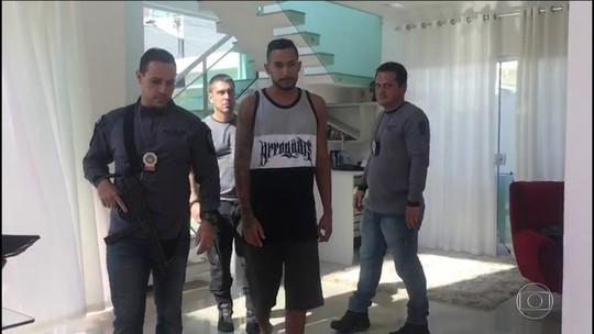 MC Tikão é preso suspeito de ajudar na fuga de chefe do tráfico