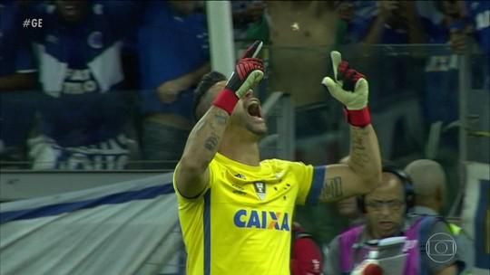 Fábio três pênaltis, Cruzeiro bate o Santos e se classifica para semis da Copa do Brasil
