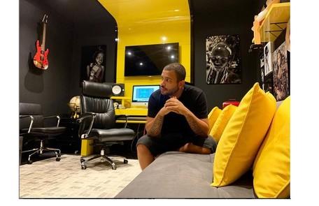 O estúdio do rapper também é um de seus cantinhos favoritos na mansão Reprodução/Instagram