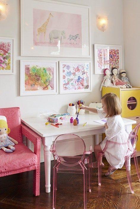 É importante que as superfícies sejam preparadas para receber tinta e cola, caso as crianças sejam pequenas (Foto: Anny Meisler)