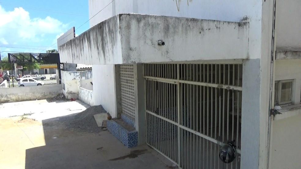 Unidade foi fechada em Paulista, no Grande Recife (Foto: Reprodução/TV Globo)