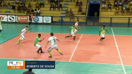 Em duelo movimentado, Volta Redonda e Resende flertam com a vitória, mas empatam em 3 a 3