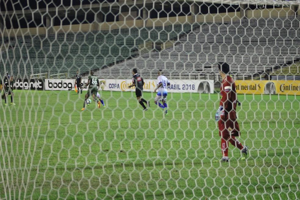 Parnahyba x Coritiba, primeira fase, Copa do Brasil, estádio Albertão (Foto: Arthur Ribeiro/GloboEsporte.com)