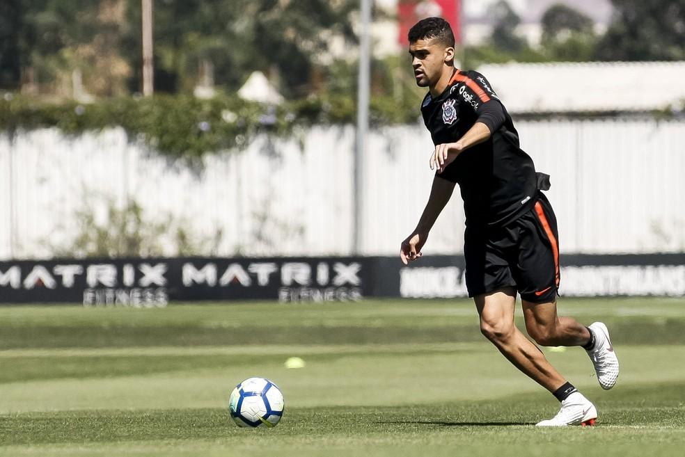 Léo Santos durante treino do Corinthians — Foto: Rodrigo Gazzanel / Ag.Corinthians