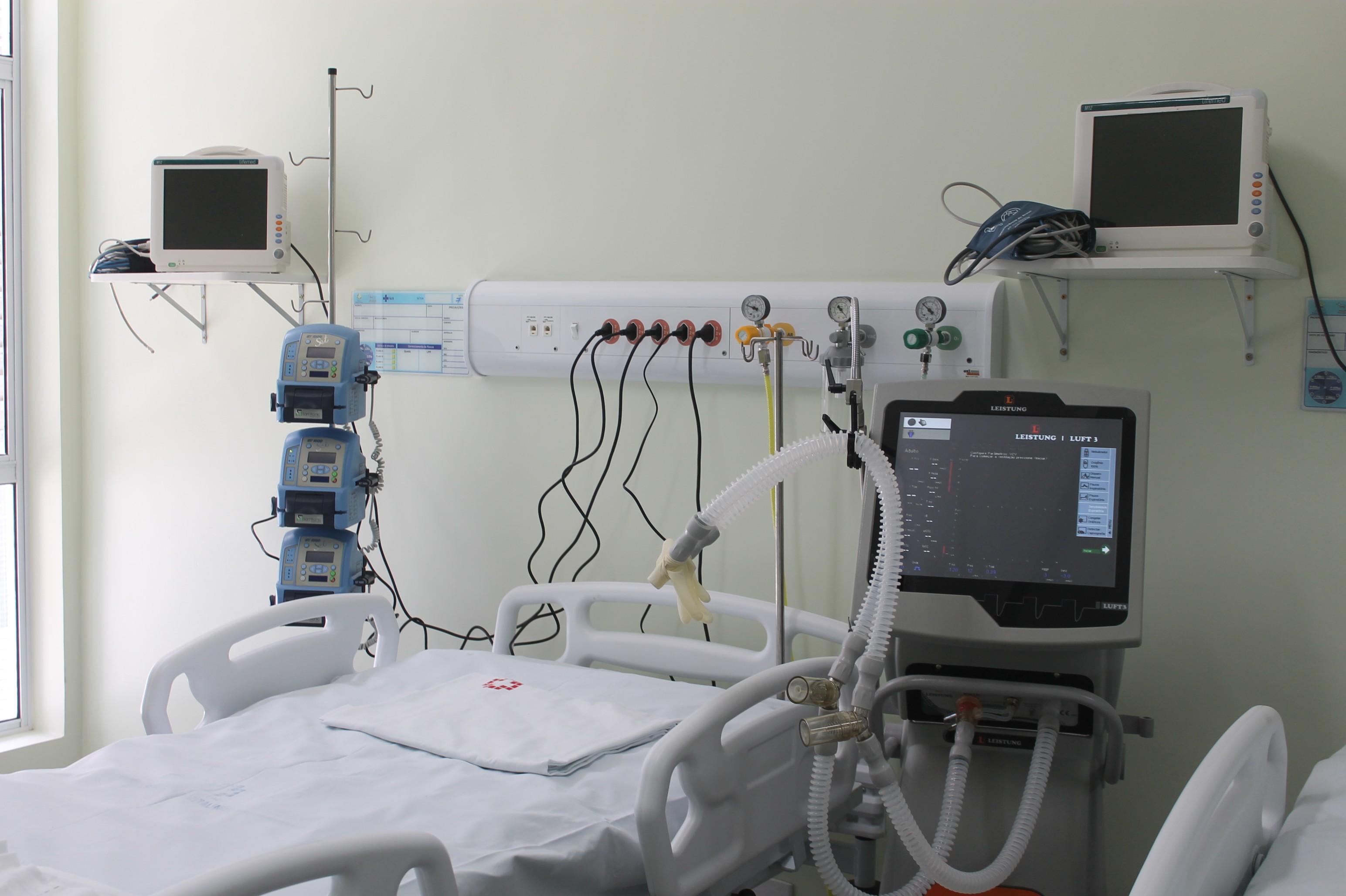 Hospital de Campanha inaugura 10 novos leitos de UTI para tratamento da Covid-19 em Caruaru