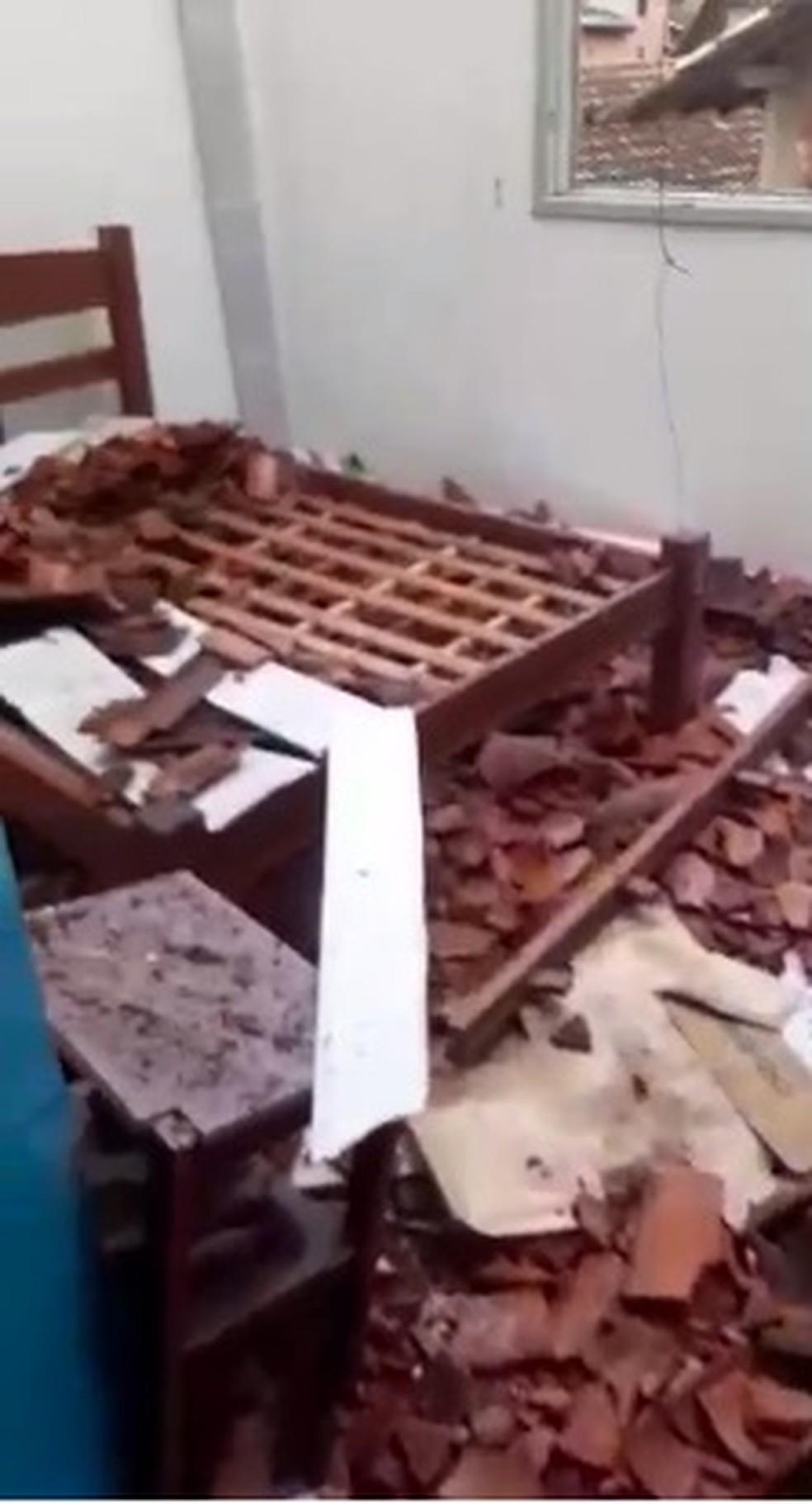 Homem é preso por ameaça e dano ao patrimônio em Paraty — Foto: Reprodução