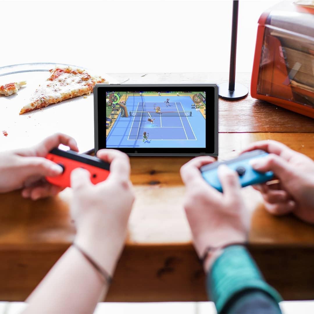O Nintendo Switch em seu modo multiplayer na telinha (Foto: Reprodução/Instagram @nintendo)
