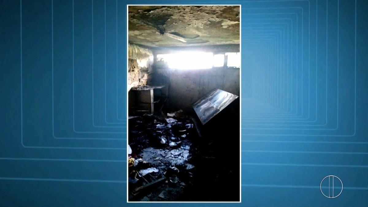 Aulas ficam suspensas por tempo indeterminado em escola invadida e incendiada em Macaé, no RJ