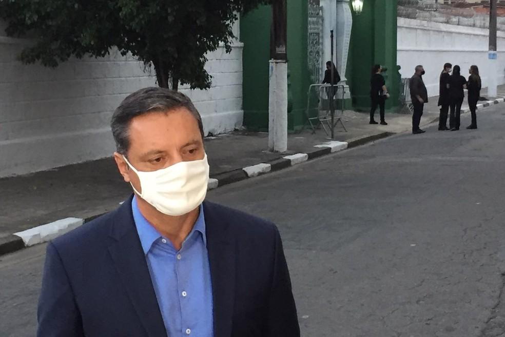 Rogério Santos, prefeito de Santos, falou sobre Bruno Covas — Foto: Matheus Tagé/Jornal A Tribuna