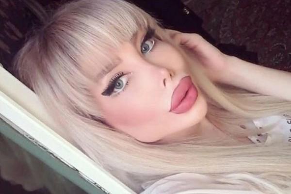 A Barbie humana amiga de Sahar Tabar, conhecida como a Angelina Jolie Zumbi (Foto: Instagram)