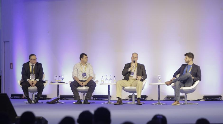 Executivos participam da ContaAzul Con para discutir a chegada do open banking no mercado brasileiro (Foto: Divulgação)