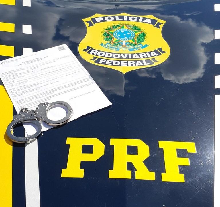 Acusado de homicídio qualificado, pistolagem e contrabando em RR é preso no litoral do Piauí