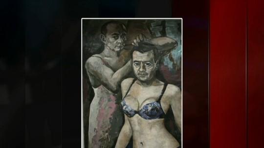 Após retratar Putin de lingerie e ser censurado, artista foge para a França